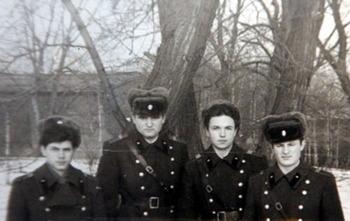 1983-12.jpg