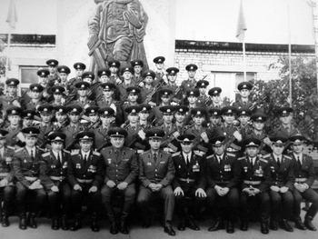 1983-76.jpg