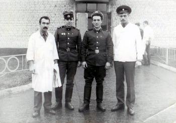 1985-12.jpg