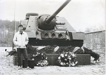 1987-103.jpg