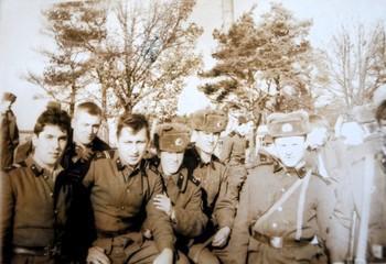 1987-216.jpg