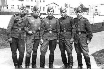 1977-6.jpg