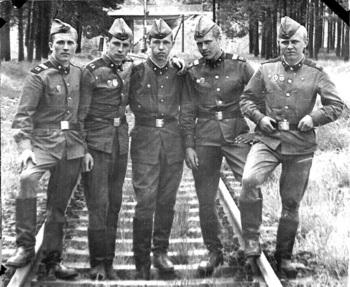 1977-9.jpg