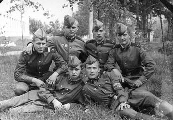 1977-10.jpg