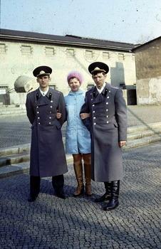 1977-56.jpg