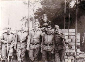1977-69.jpg