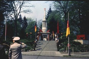 1978-76.jpg