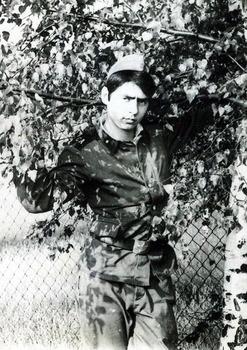 1982-12.jpg