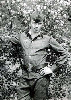 1982-13.jpg